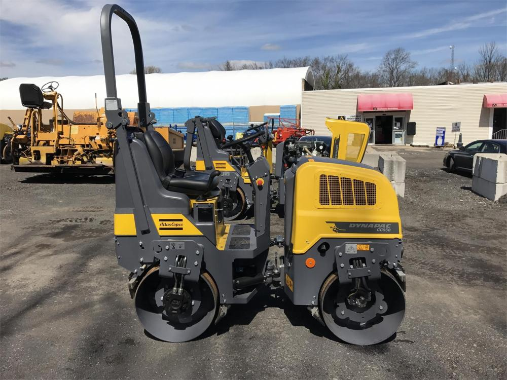 Detail photo of 2018 Dynapac CC950 from Construction Equipment Guide