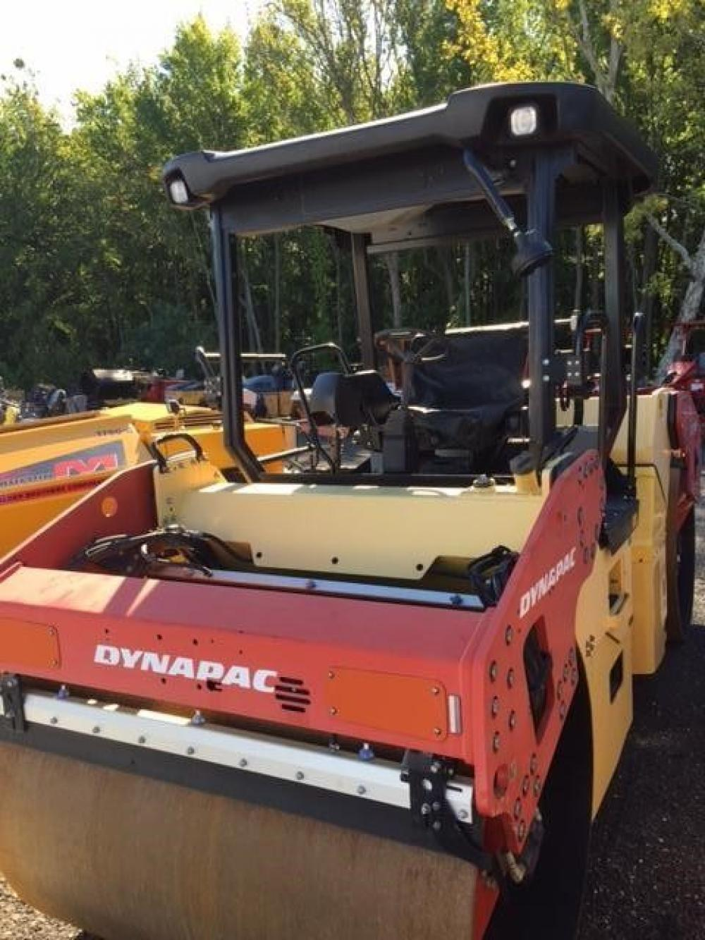 Detail photo of 2013 Dynapac CC424HF from Construction Equipment Guide