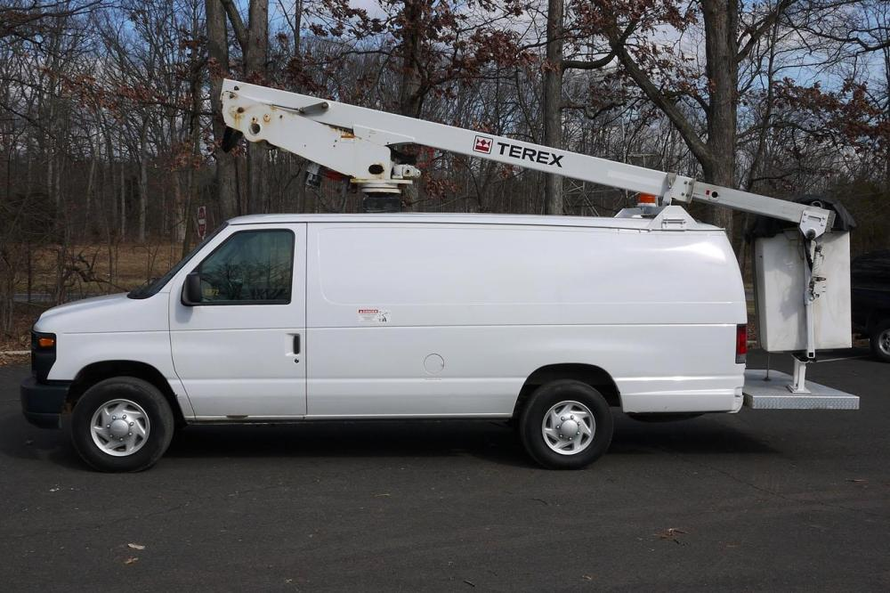 Detail photo of 2009 Ford E350 from Construction Equipment Guide
