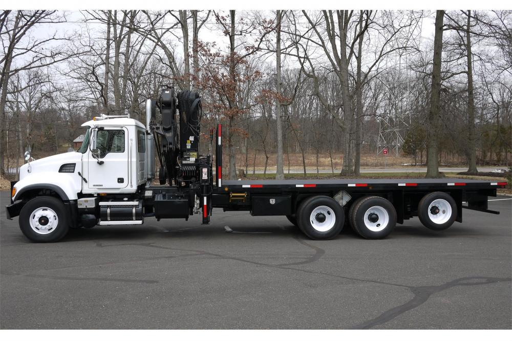 Detail photo of 2005 Hiab 300-4 from Construction Equipment Guide