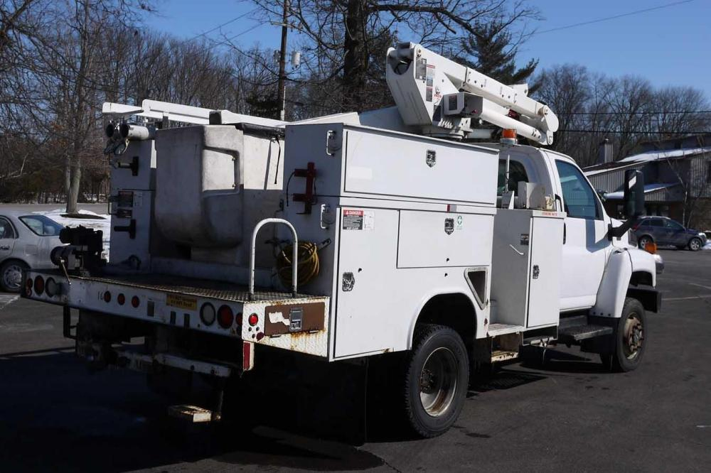 Detail photo of 2007 Altec AT37G from Construction Equipment Guide