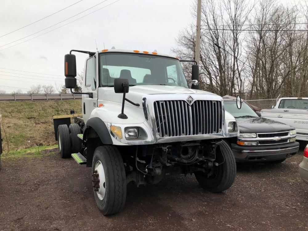 Detail photo of 2005 International 7300 from Construction Equipment Guide