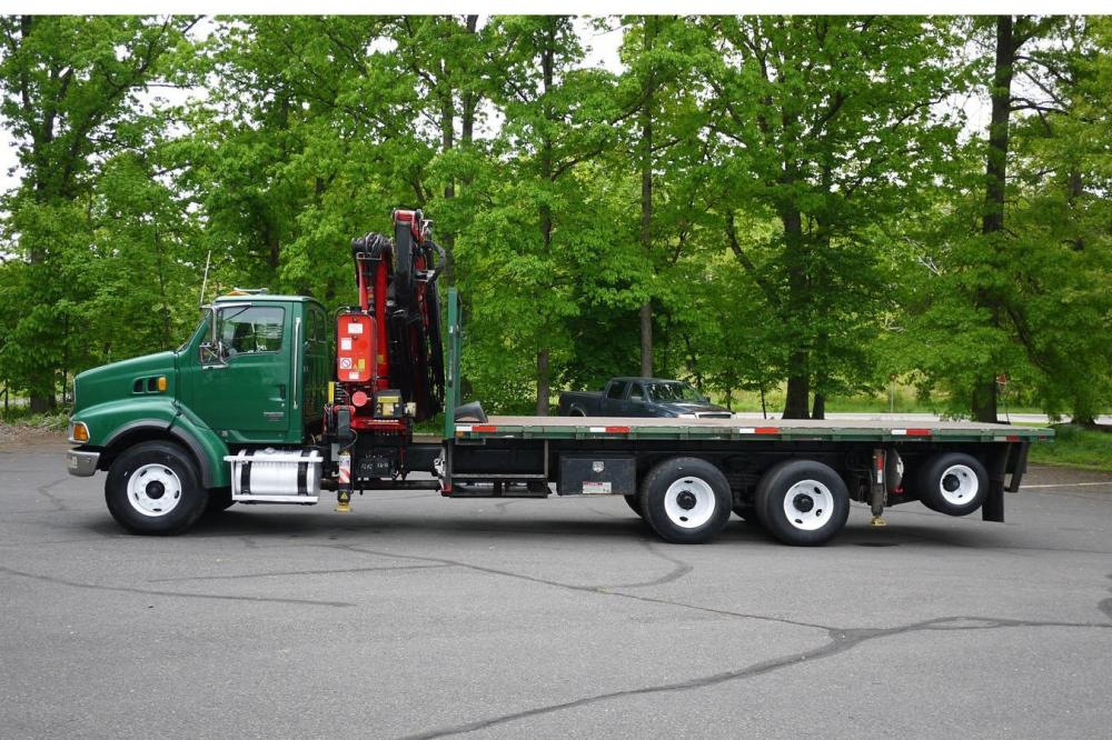 Detail photo of 2005 Fassi F330.23 from Construction Equipment Guide