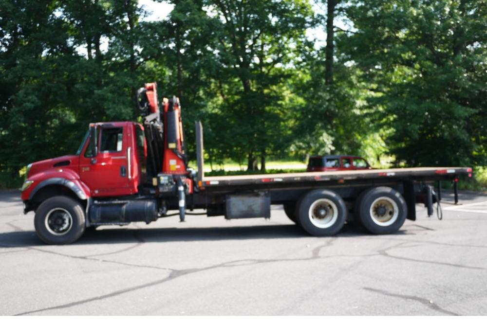 Detail photo of 2004 Palfinger PK26502 from Construction Equipment Guide