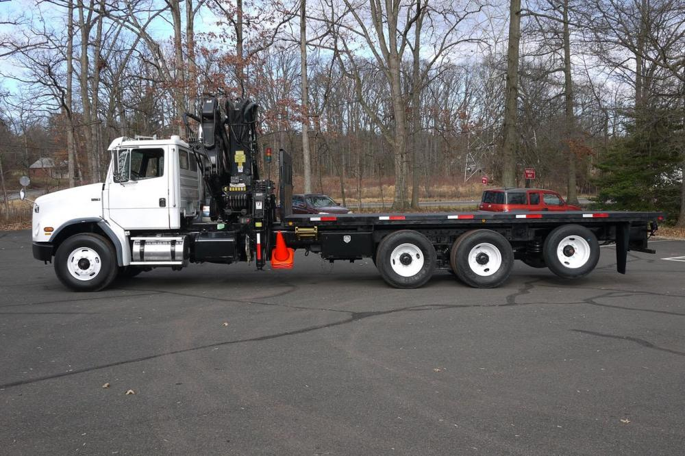 Detail photo of 2003 Hiab 300-4 from Construction Equipment Guide