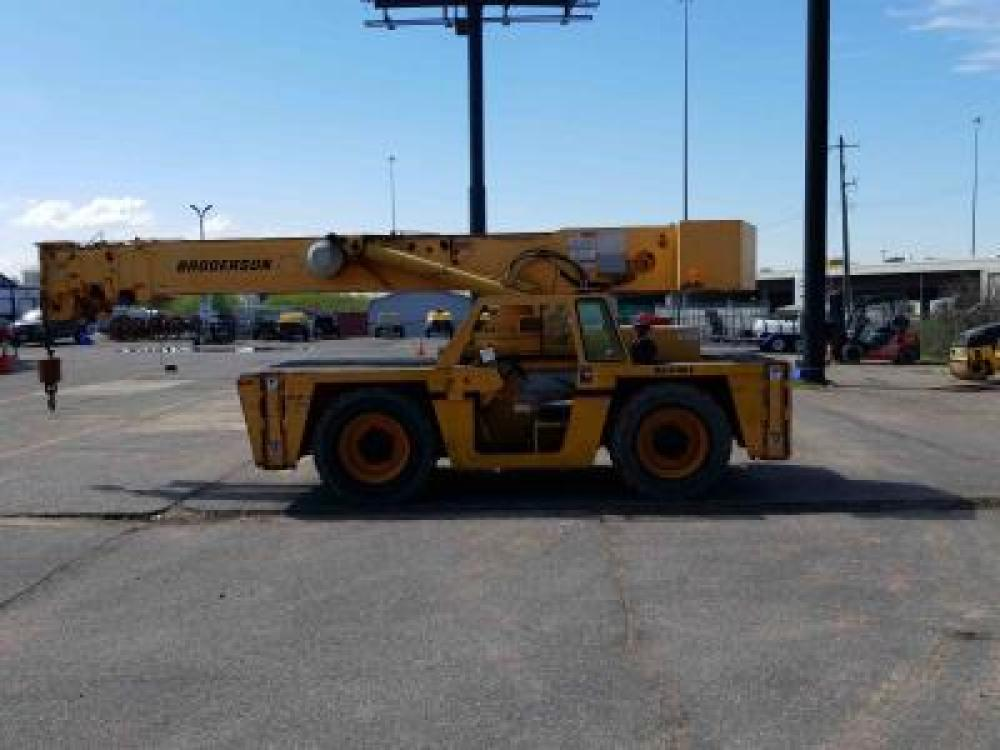 Detail photo of 2008 Broderson IC-250-3B from Construction Equipment Guide