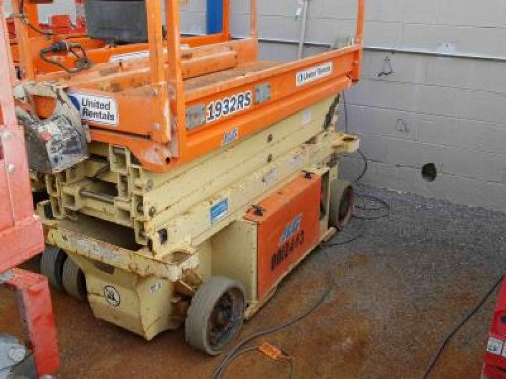 Detail photo of 2013 JLG 1932RS from Construction Equipment Guide