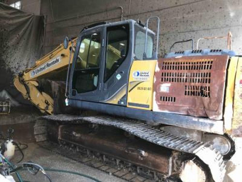 Detail photo of 2014 Kobelco SK210LC-9 from Construction Equipment Guide