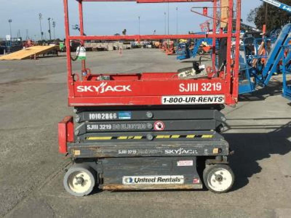 Detail photo of 2012 Skyjack SJIII 3219 from Construction Equipment Guide