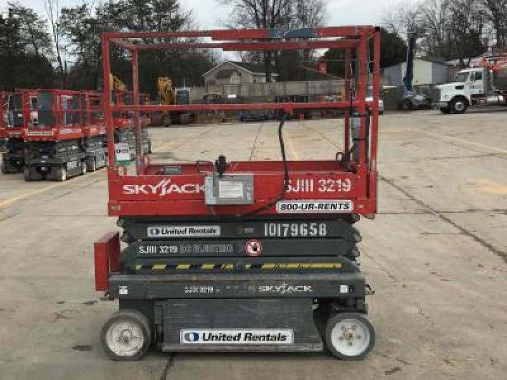 Detail photo of 2013 Skyjack SJIII 3219 from Construction Equipment Guide