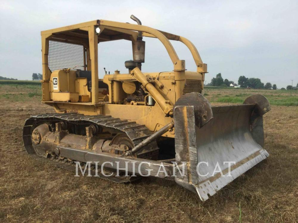 Detail photo of 1971 Caterpillar D6C from Construction Equipment Guide