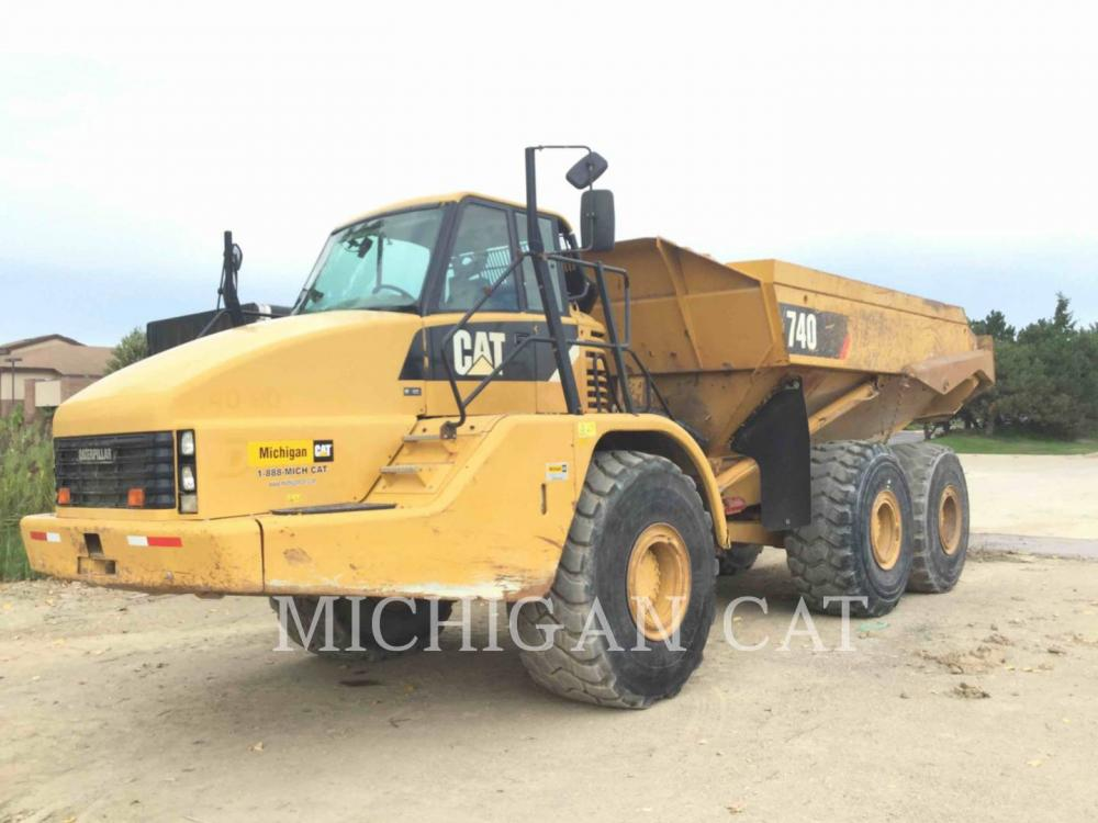 Detail photo of 2010 Caterpillar 740 from Construction Equipment Guide