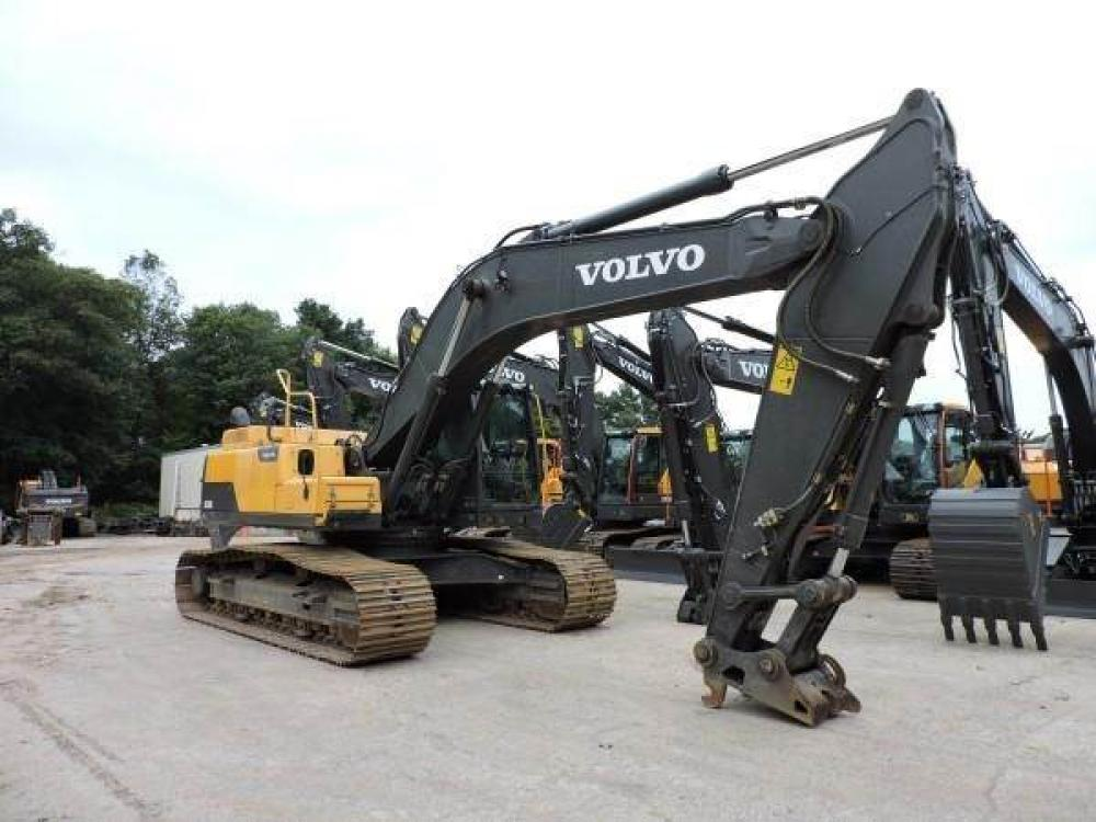 Detail photo of 2014 Volvo EC300DL from Construction Equipment Guide
