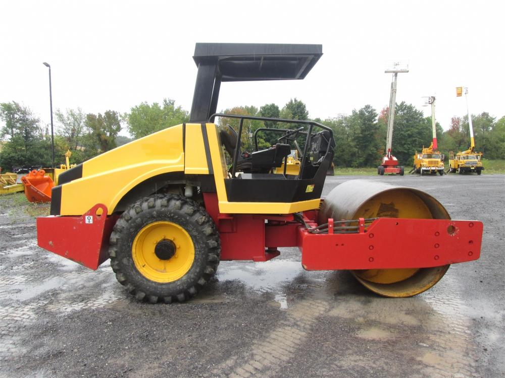 Detail photo of  Dynapac CA152D from Construction Equipment Guide