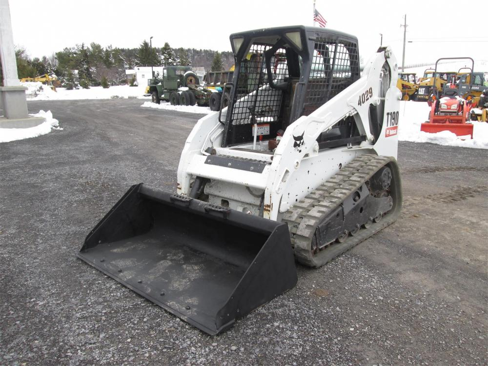 Detail photo of  Bobcat T190 from Construction Equipment Guide