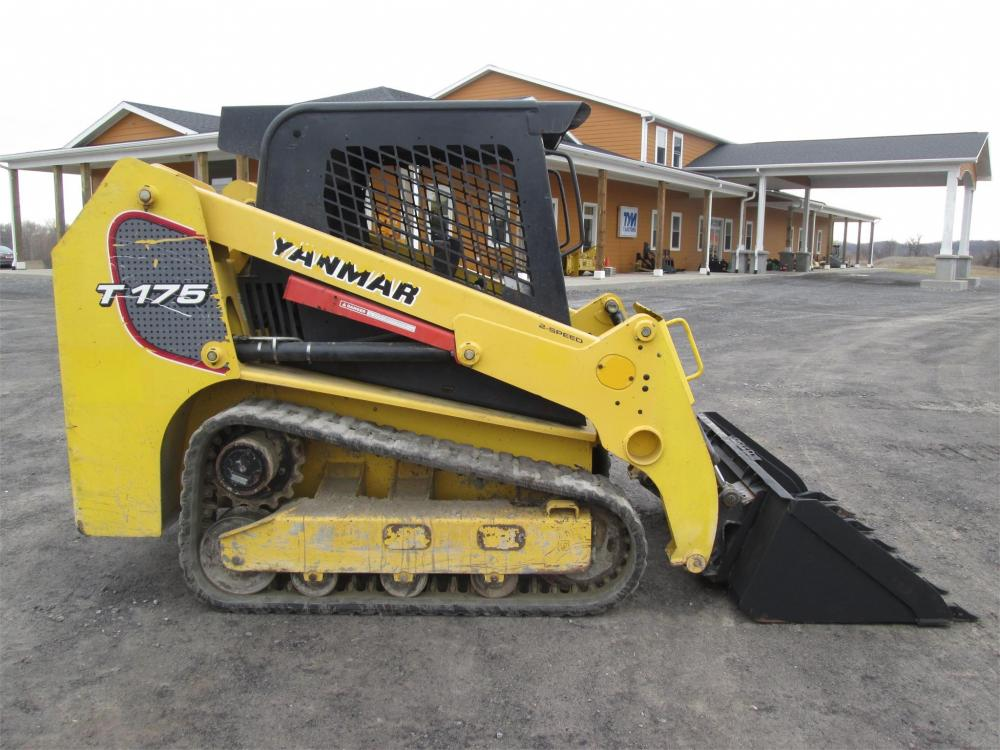 Detail photo of  Yanmar T175 from Construction Equipment Guide
