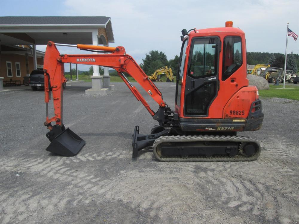Detail photo of 2012 Kubota KX71-3 from Construction Equipment Guide