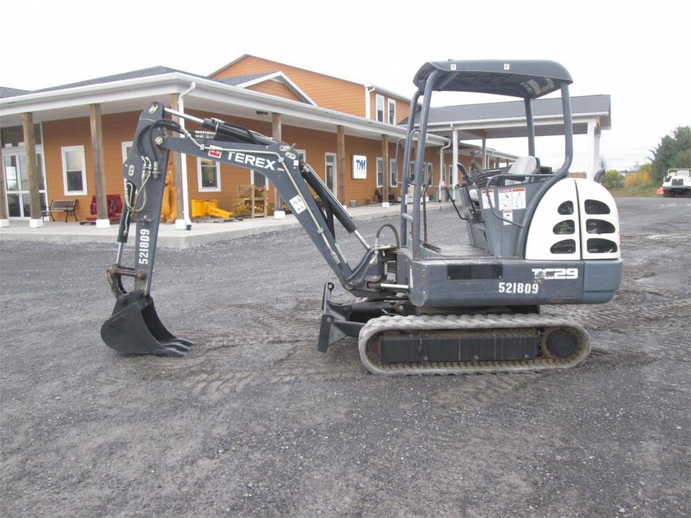 Detail photo of  Terex TC29 from Construction Equipment Guide
