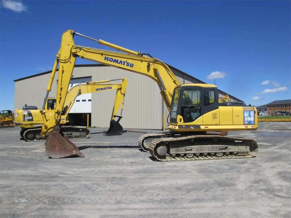 Detail photo of  Komatsu PC200LC-7 from Construction Equipment Guide