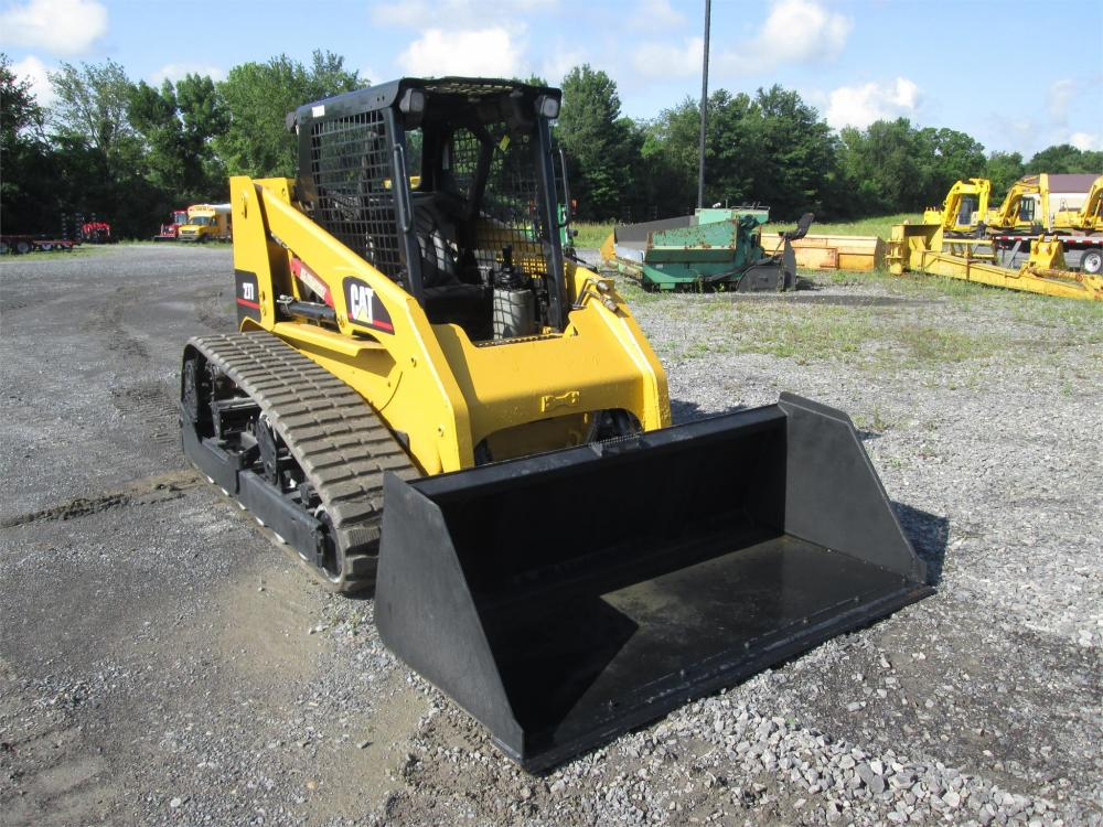 Detail photo of  Caterpillar 277 from Construction Equipment Guide