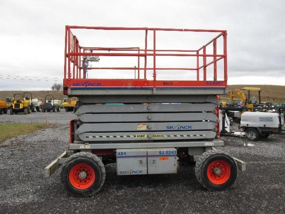 Detail photo of  Skyjack SJ8243 RT from Construction Equipment Guide