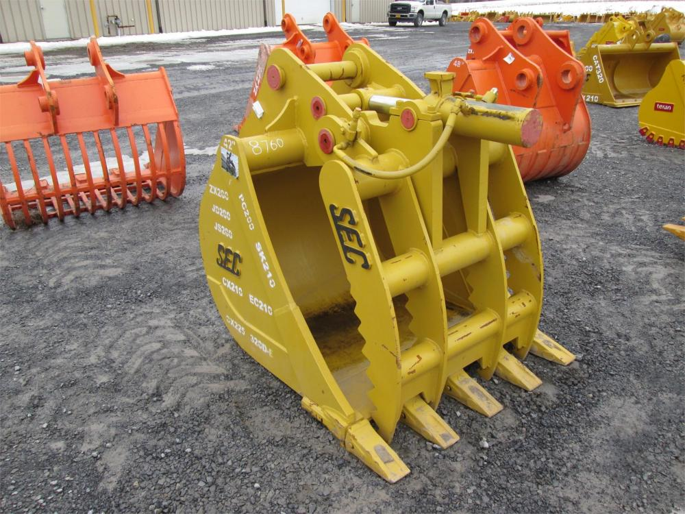 Detail photo of  SEC 42IN. HYDRAULIC TOOTH BUCKET THUMB COMBO from Construction Equipment Guide