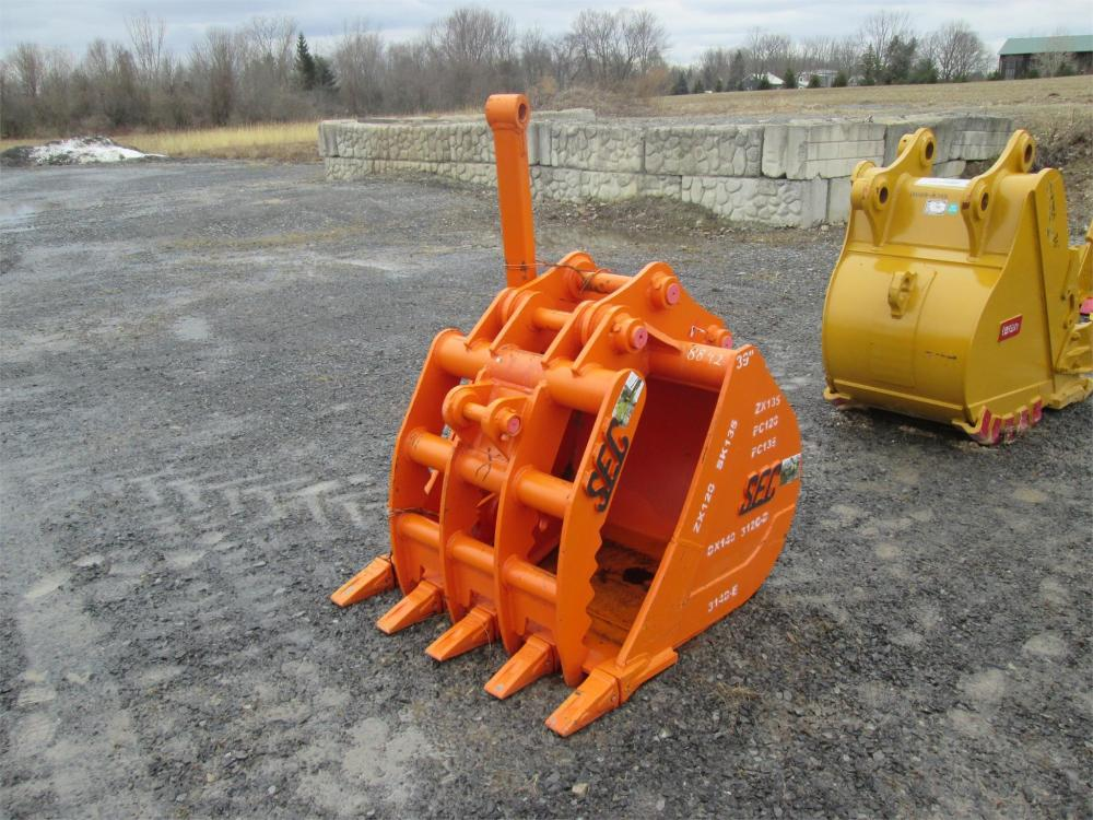 Detail photo of  SEC 39IN. ADJUSTABLE 1/2 STATIONARY THUMB/ BUCKET COMBO from Construction Equipment Guide