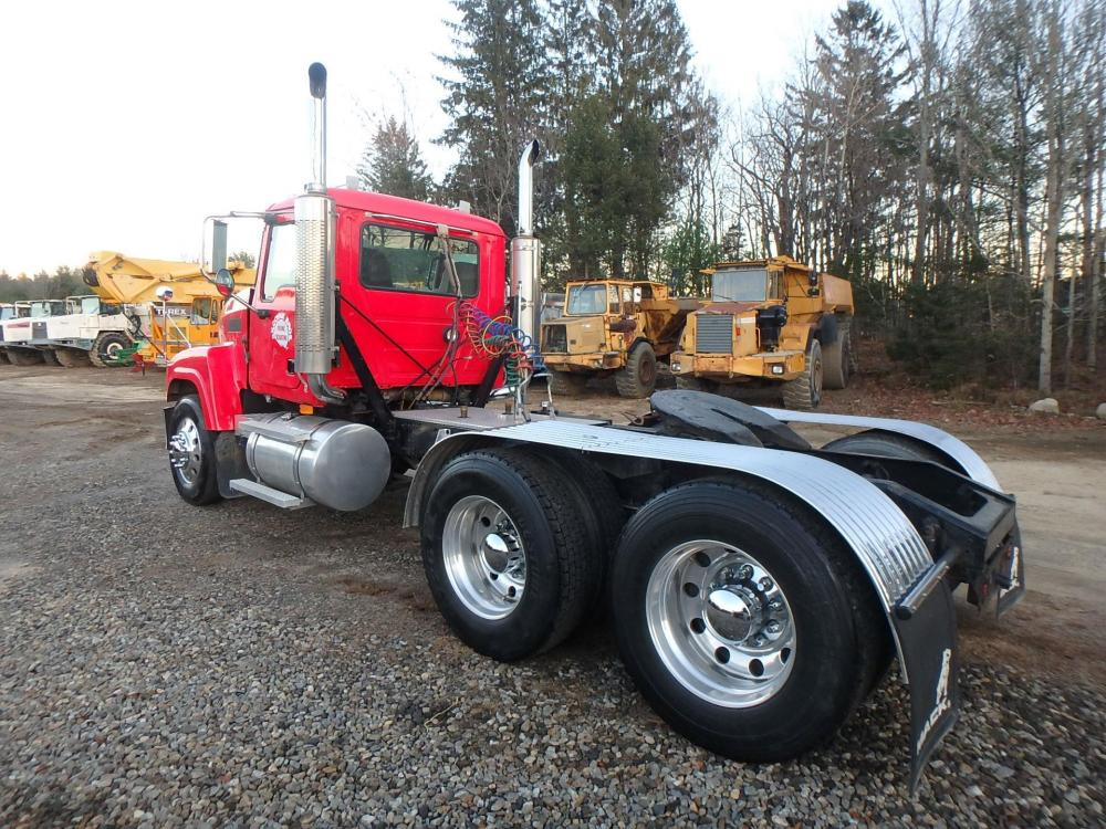 Detail photo of 2006 Mack CHN613 from Construction Equipment Guide