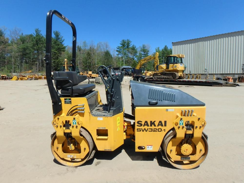 Detail photo of 2015 Sakai SW320 from Construction Equipment Guide