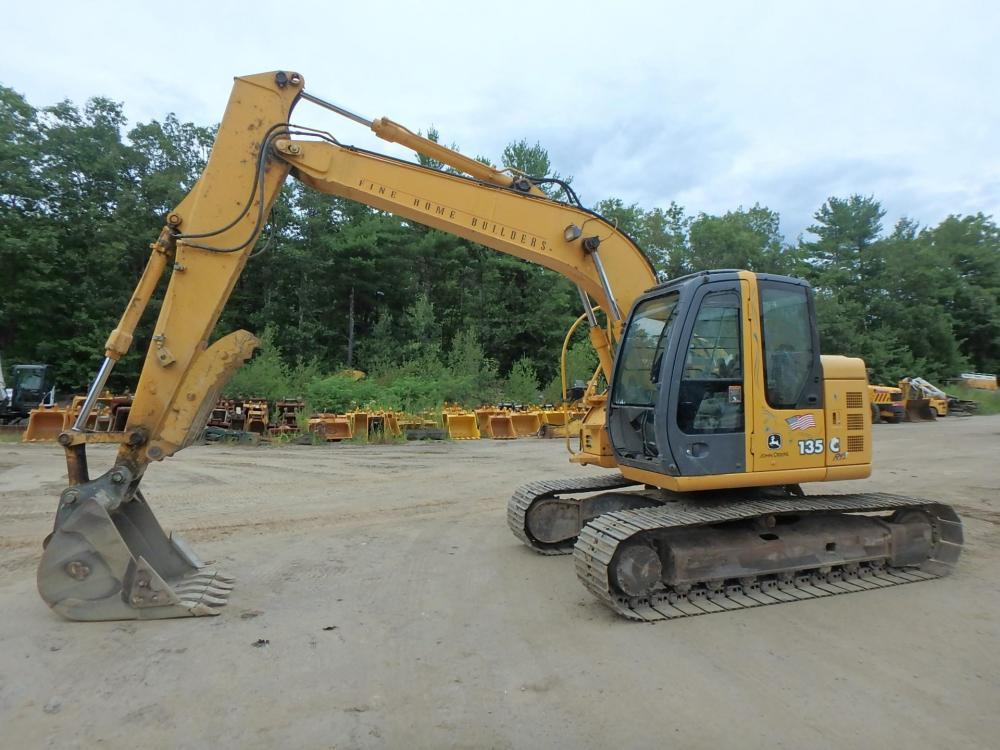 Detail photo of 2004 John Deere 135C RTS from Construction Equipment Guide