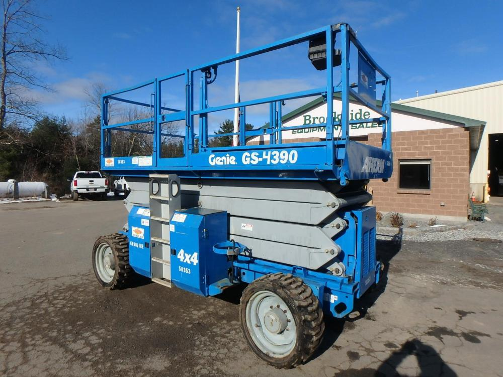 Detail photo of 2006 Genie GS-4390RT from Construction Equipment Guide