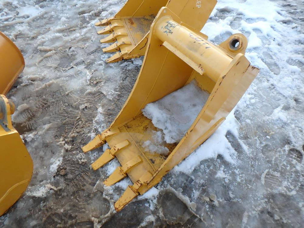 Detail photo of  John Deere AT324447 from Construction Equipment Guide