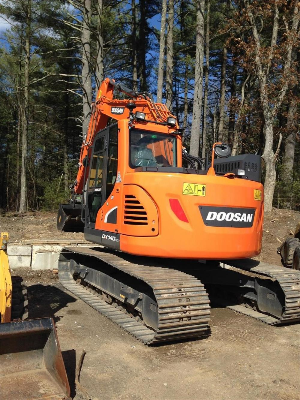Detail photo of 2017 Doosan DX140LCR-5 from Construction Equipment Guide