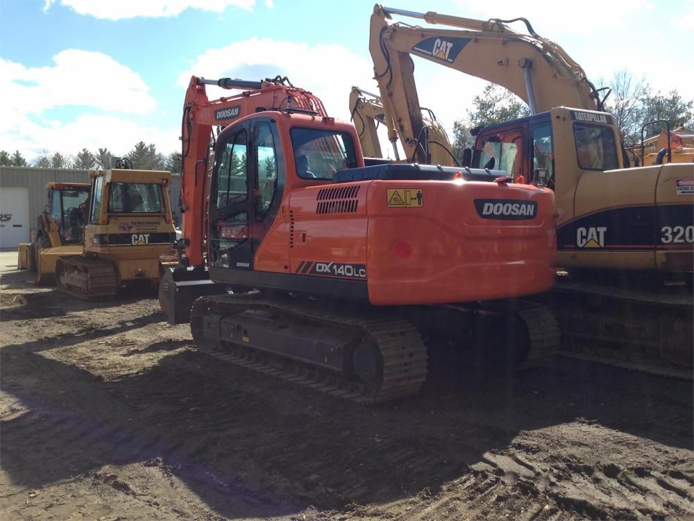 Detail photo of 2017 Doosan DX140LC from Construction Equipment Guide