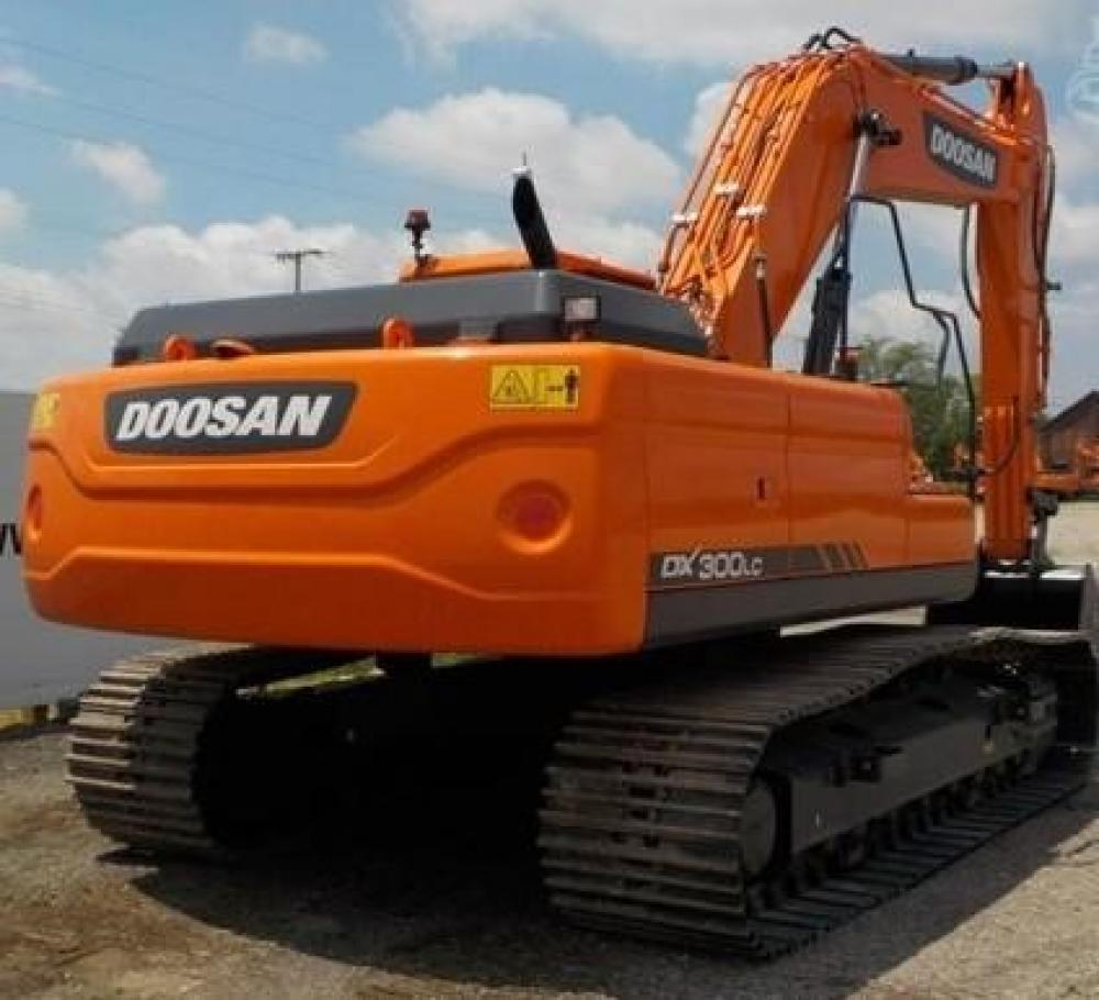 Detail photo of 2018 Doosan DX300LC from Construction Equipment Guide
