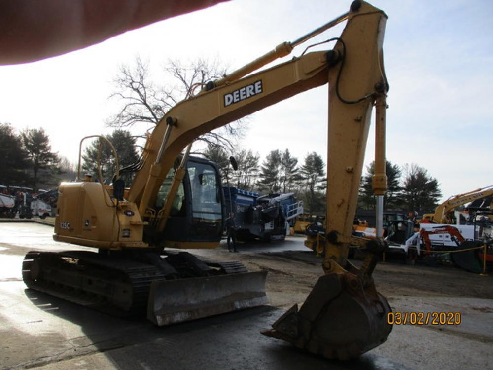 Detail photo of 2005 John Deere 135C from Construction Equipment Guide
