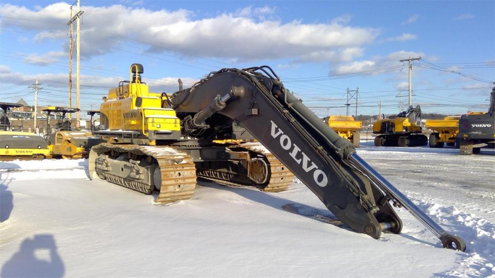 Detail photo of 2015 Volvo EC700CL from Construction Equipment Guide
