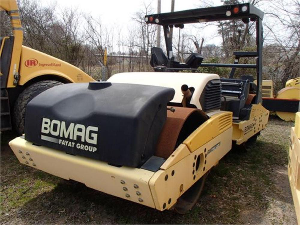 Detail photo of 2009 Bomag BW 266 AD-4 from Construction Equipment Guide