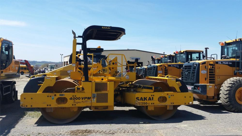 Detail photo of 2010 Sakai SW850 II from Construction Equipment Guide