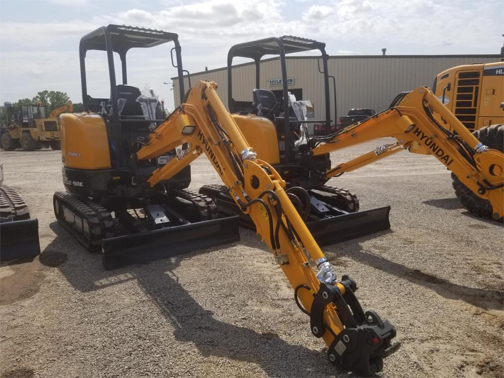 Detail photo of 2018 Hyundai ROBEX 25Z-9AK from Construction Equipment Guide
