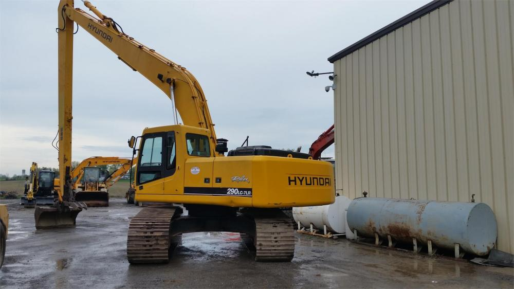 Detail photo of 2005 Hyundai ROBEX 290 LC-7 LR from Construction Equipment Guide