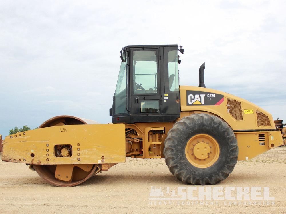 Detail photo of 2011 Caterpillar CS76 XT from Construction Equipment Guide