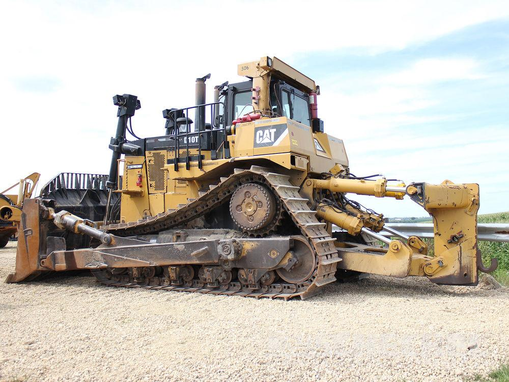 Detail photo of 2011 Caterpillar D10T from Construction Equipment Guide