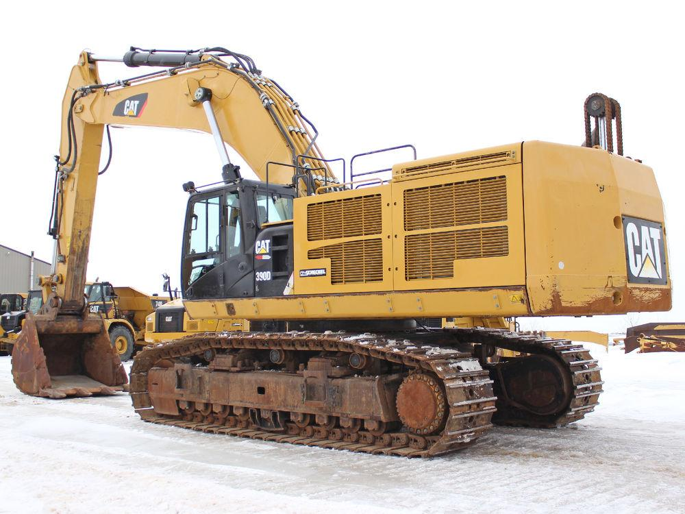 Detail photo of 2013 Caterpillar 390DL from Construction Equipment Guide