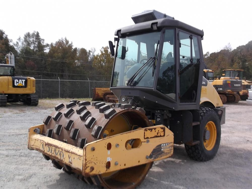 Detail photo of 2012 Volvo SD77DX from Construction Equipment Guide