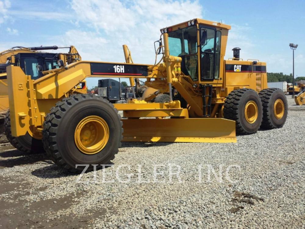 Detail photo of 1997 Caterpillar 16H from Construction Equipment Guide