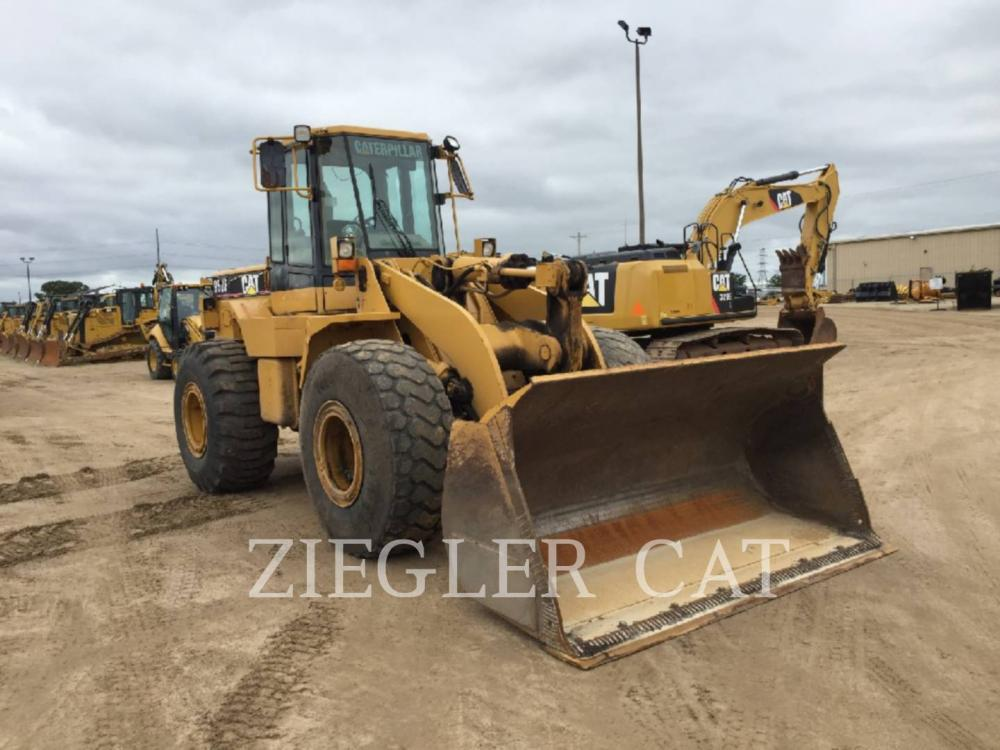 Detail photo of 1993 Caterpillar 950F II from Construction Equipment Guide