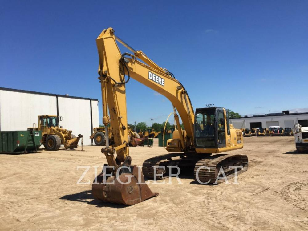 Detail photo of 2006 John Deere 200C LC from Construction Equipment Guide