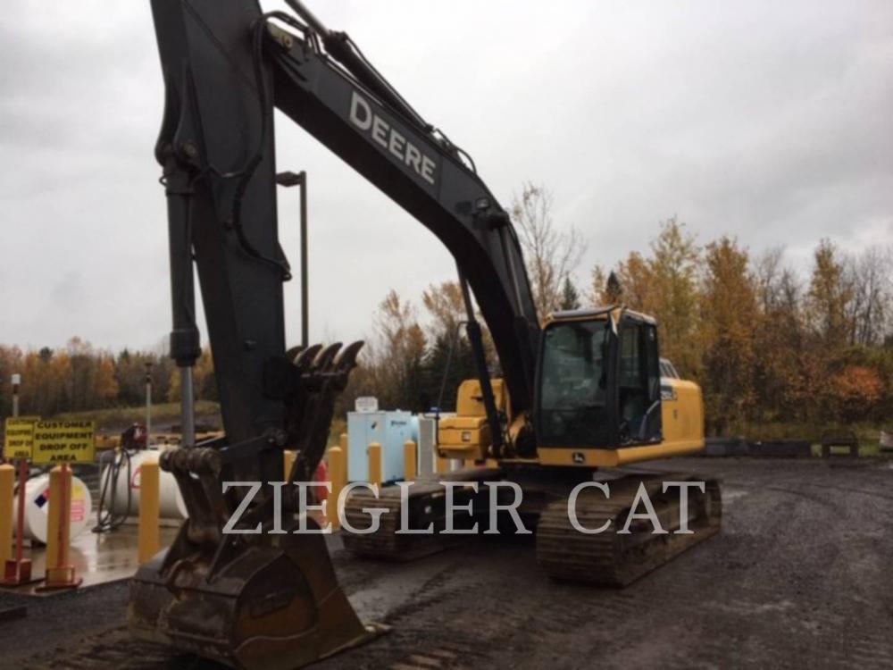 Detail photo of 2013 John Deere 250GLC from Construction Equipment Guide