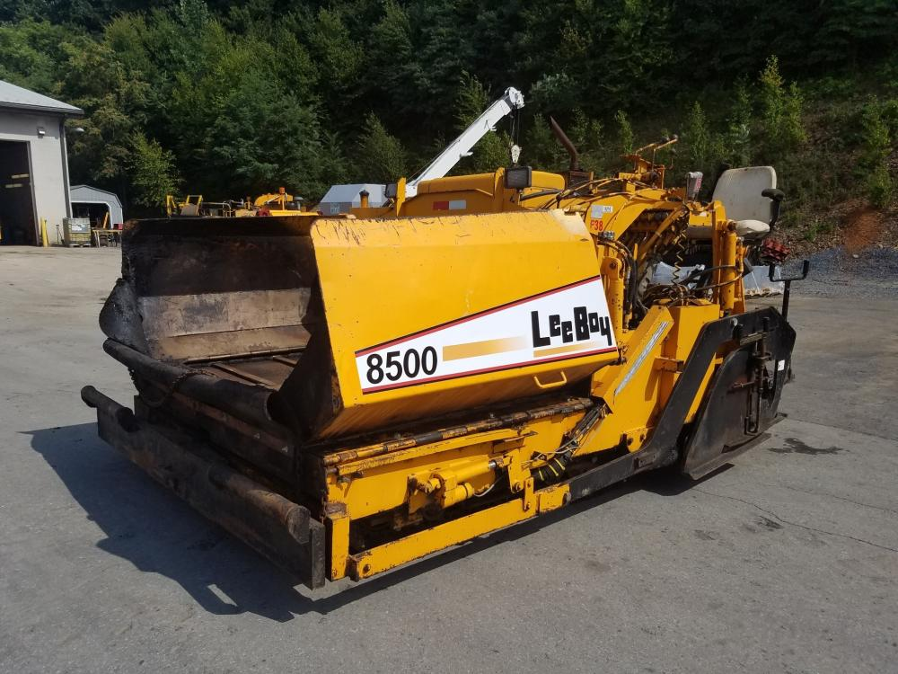Detail photo of 1998 LeeBoy 8500 from Construction Equipment Guide